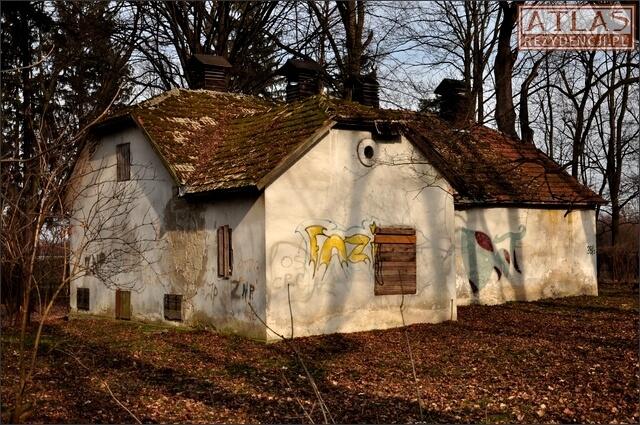 Budynki gospodarcze w Stalowej Woli-Charzewicach