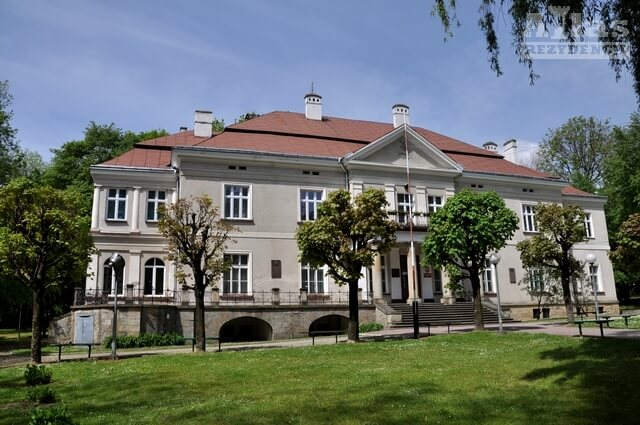 Pałac Stawiarskich w Jedliczu
