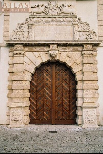 Brama w Wieży Zegarowej-Zamek w Krasiczynie