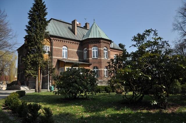 Pałac Skrzeczyńskich w Lubzinie