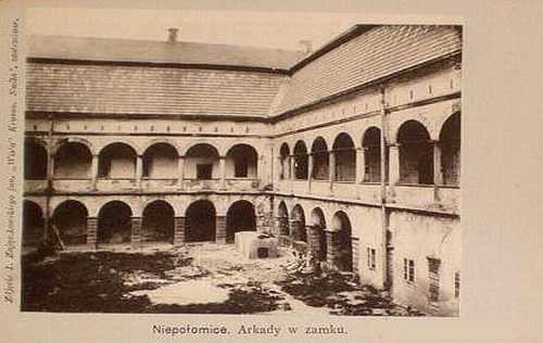 zamek_niepołomice_archiwalne_foto_2