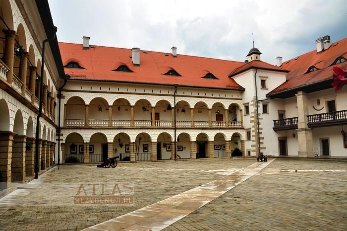 zamek_niepołomice_foto_15