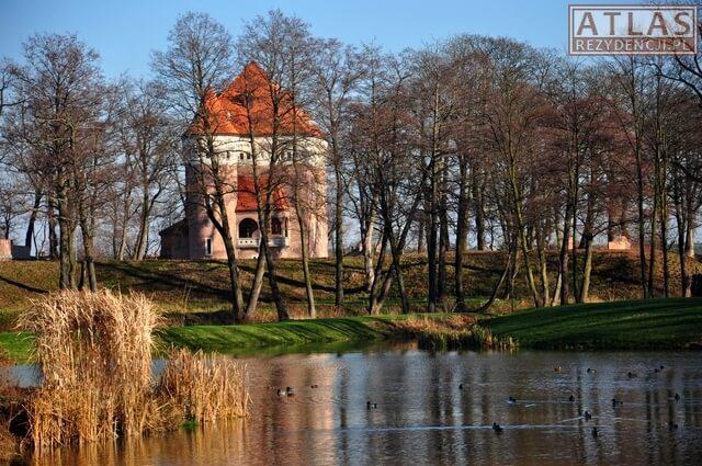 Zamek - Baszta w Rzemieniu