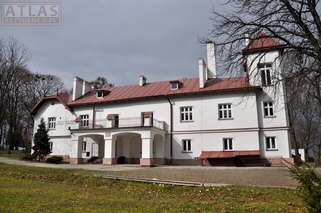 Dwór w Tyniowicach