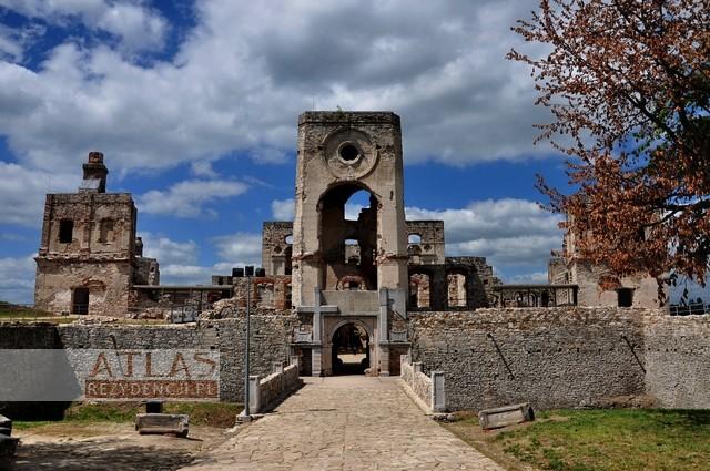 Zamek Krzyżtopór w UjeĽdzie_foto_3