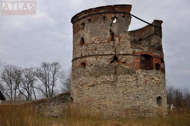 Zamek Pieniążków w Węgierce