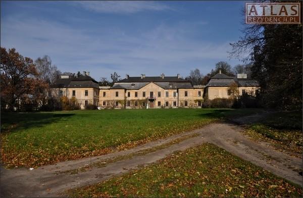 Klemensów - Pałac Zamoyskich
